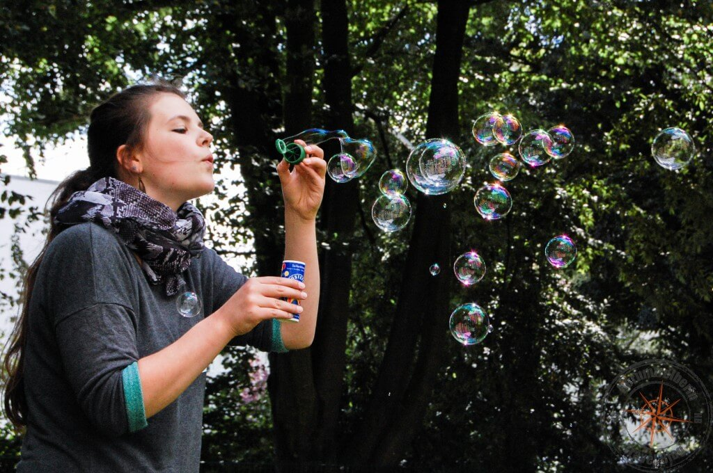 soap bubble girl
