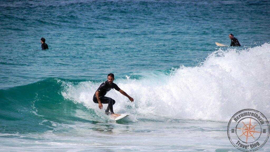 Surfer Tamarama Beach, Sydney, Australia