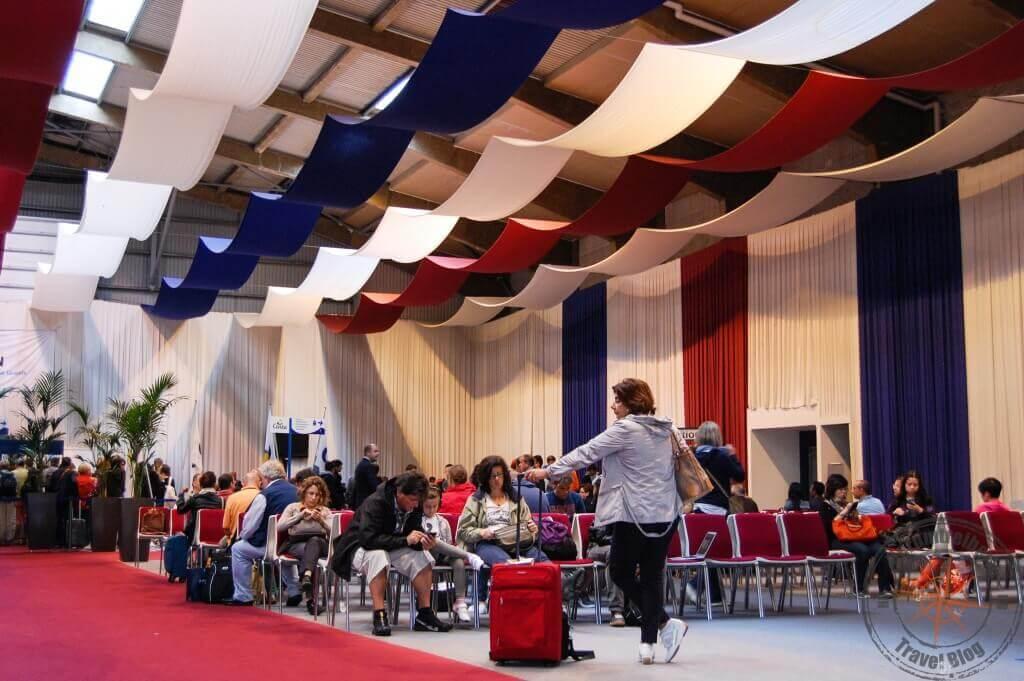 Costa Wartehalle im Kopenhagener Hafen