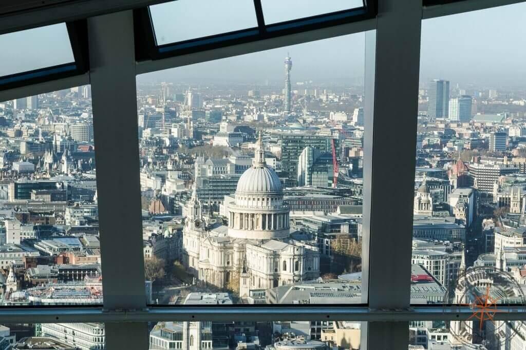 Blick auf St. Paul's Cathedral vom Sky Garden, London